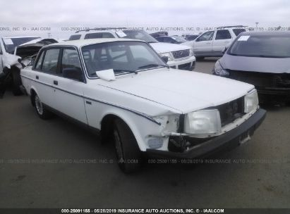 Salvage 1989 VOLVO 244 for sale