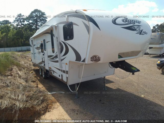 click here to view 2013 KEYSTONE COUGAR LITE at IBIDSAFELY