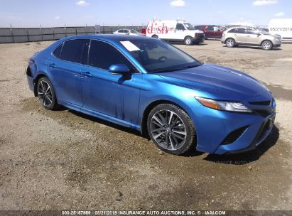 Salvage 2018 TOYOTA CAMRY for sale