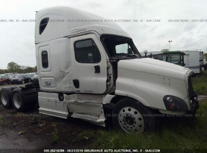 Salvage 2015 FREIGHTLINER CASCADIA 125 for sale