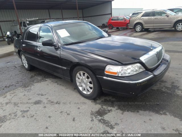 click here to view 2011 LINCOLN TOWN CAR at IBIDSAFELY