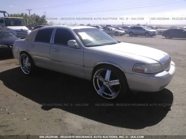 click here to view 2005 LINCOLN TOWN CAR at IBIDSAFELY