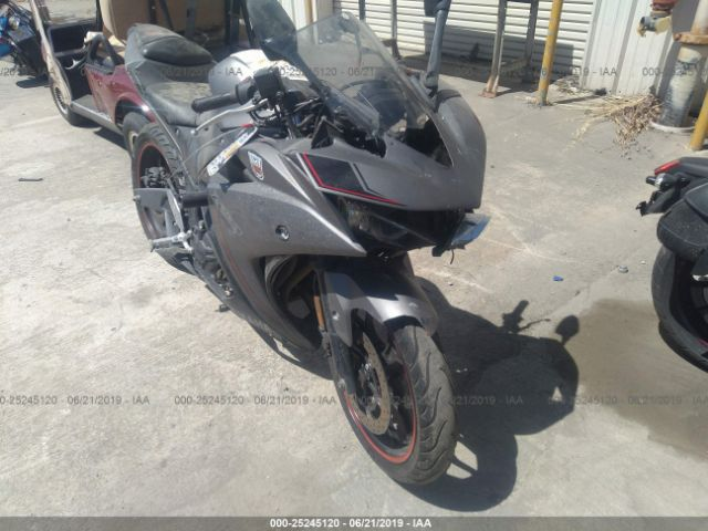 click here to view 2016 YAMAHA YZFR3 at IBIDSAFELY