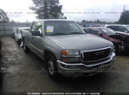 Salvage 2005 GMC NEW SIERRA for sale
