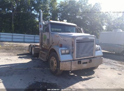 Salvage 2009 FREIGHTLINER CLASSIC 120 for sale