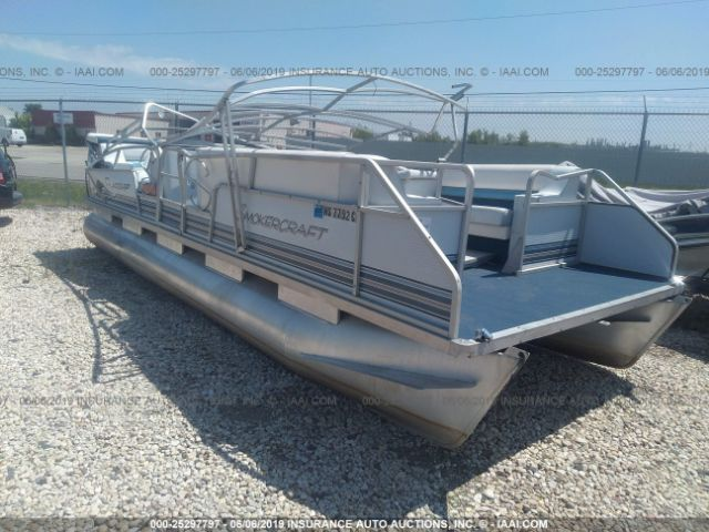 click here to view 1993 SMOKER-CRAFT 824 FLAGSHIP 24FT at IBIDSAFELY