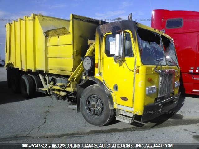 click here to view 2005 PETERBILT 320 at IBIDSAFELY