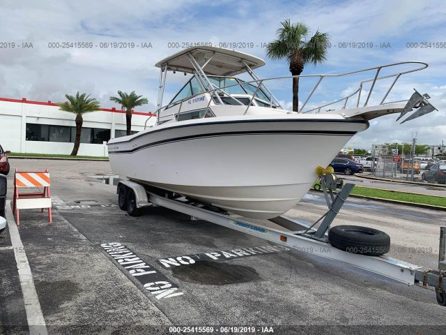 click here to view 1990 GRADY WHITE 25 at IBIDSAFELY