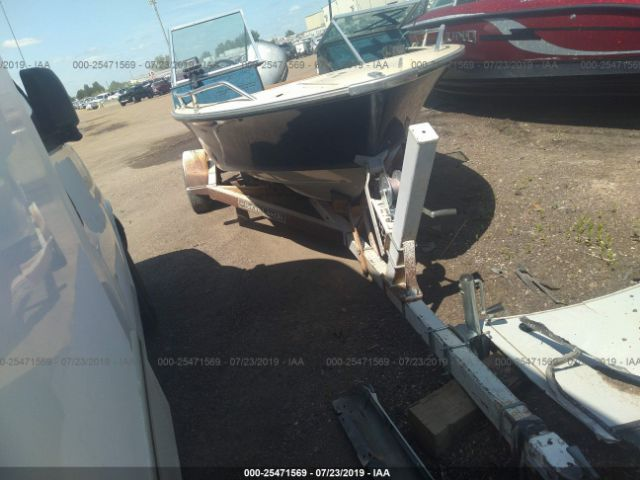click here to view 1986 LUND 17FT at IBIDSAFELY