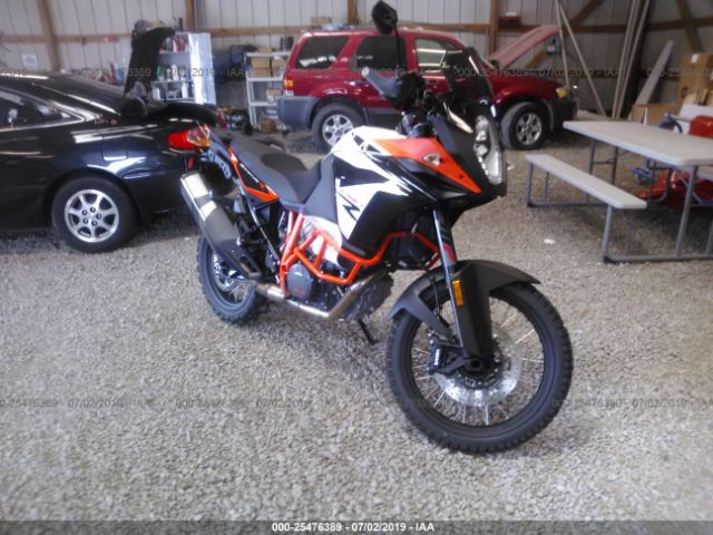 click here to view 2019 KTM 1090 at IBIDSAFELY