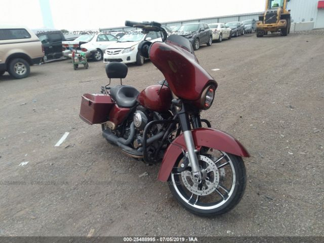 click here to view 2010 HARLEY-DAVIDSON FLHX at IBIDSAFELY