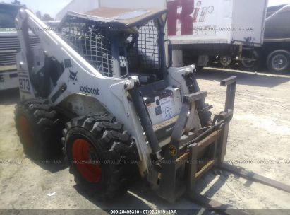 Salvage 2000 BOBCAT 873 for sale