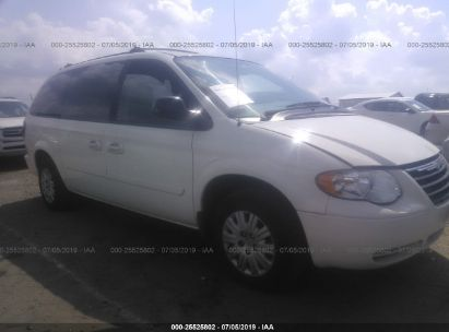 Salvage 2006 CHRYSLER TOWN & COUNTRY for sale
