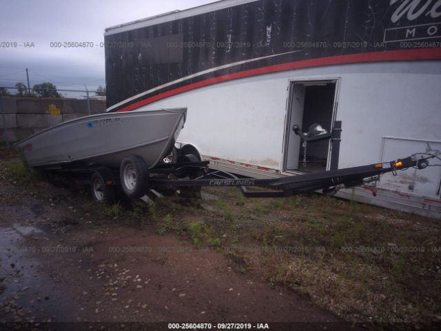 click here to view 2003 CRESTLINER CANADIAN 18 at IBIDSAFELY