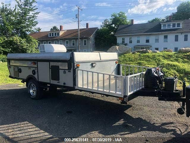 click here to view 2010 COLEMAN EVOLUTION E-3 at IBIDSAFELY