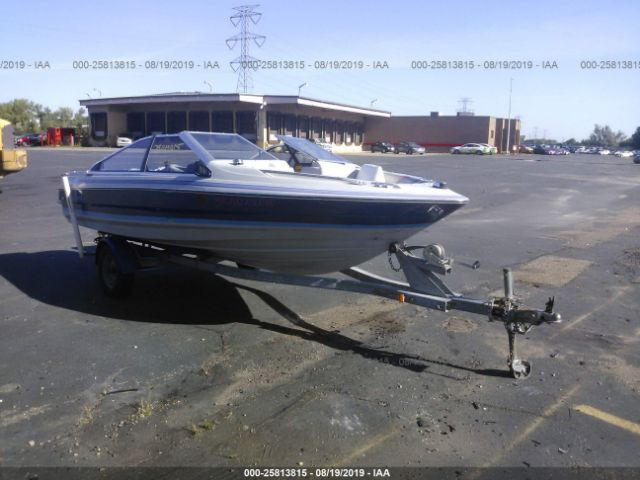 click here to view 1989 BAYLINER SPEEDBOAT at IBIDSAFELY