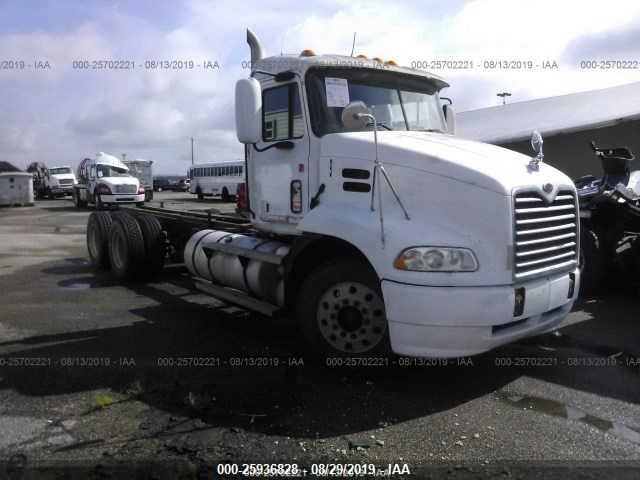 click here to view 2001 MACK 600 at IBIDSAFELY
