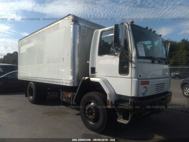 click here to view 2005 STERLING TRUCK SC at IBIDSAFELY