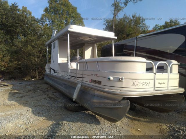 click here to view 2007 SUNTRACKER PH30 PONTOON BOAT at IBIDSAFELY