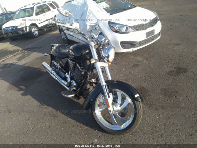 click here to view 2004 VICTORY MOTORCYCLES KINGPIN at IBIDSAFELY