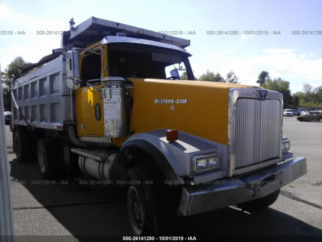 click here to view 2000 WESTERN STAR/AUTO CAR CONVENTIONAL at IBIDSAFELY