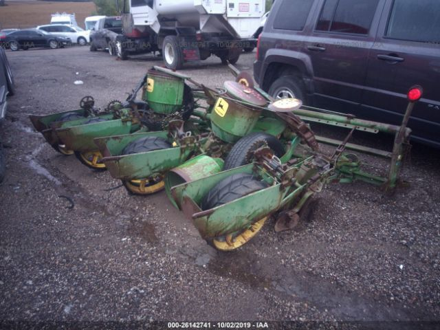 click here to view 1972 JOHN DEERE 1240 PLANTER at IBIDSAFELY