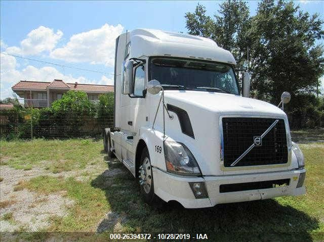 click here to view 2014 VOLVO VN at IBIDSAFELY