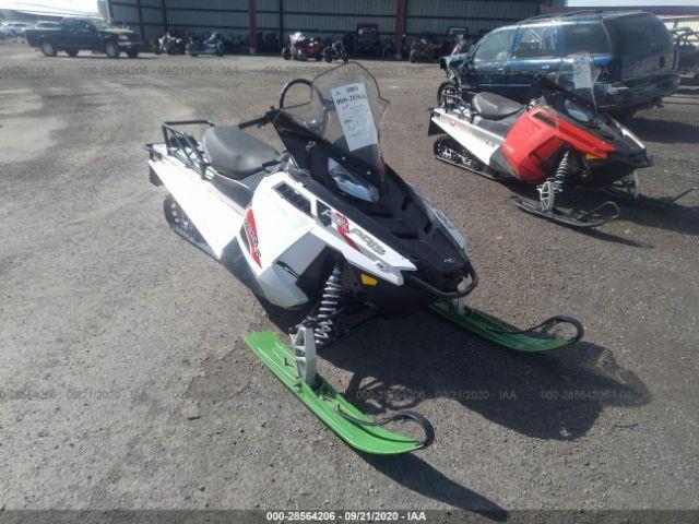 POLARIS INDY 550